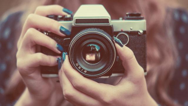 サクッと解説!一眼レフカメラとミラーレス一眼、コンデジ3種類の違い