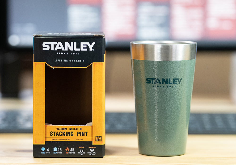 STANLEY タンブラーとパッケージ