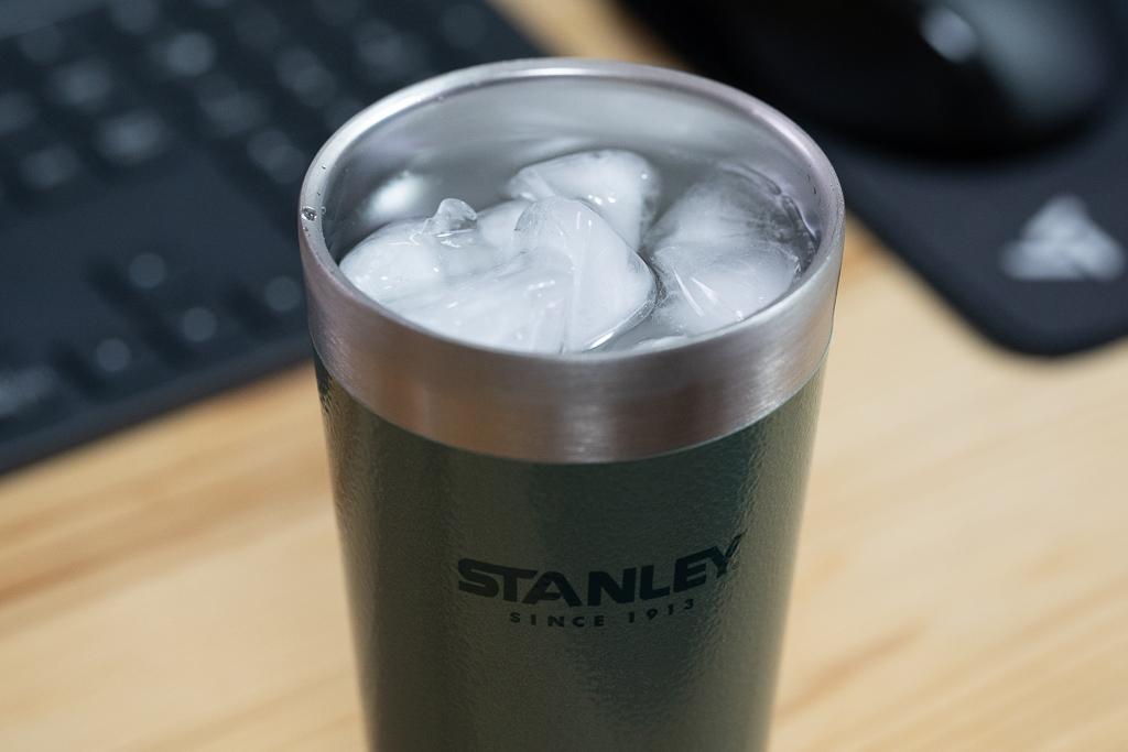 STANLEY タンブラー氷水を入れてみた